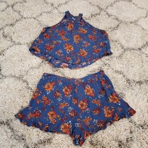 2 piece floral shorts and blouse set!